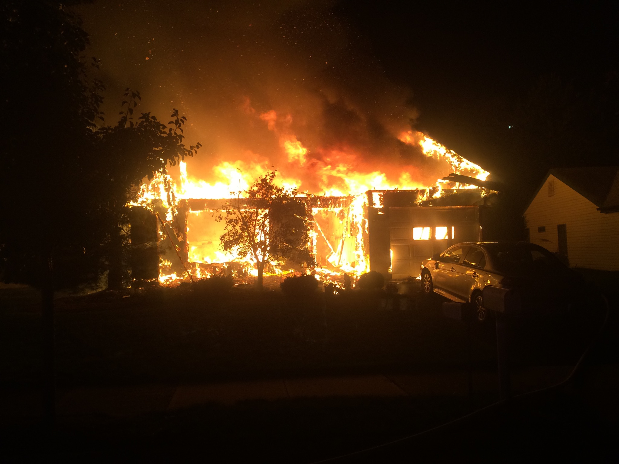 Leisure Knoll Home Destroyed In Fire Manchester Police